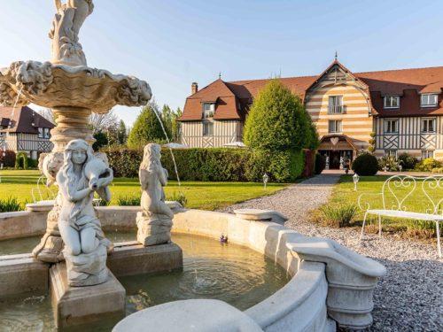 Fontaine soleil Manoir Poterie